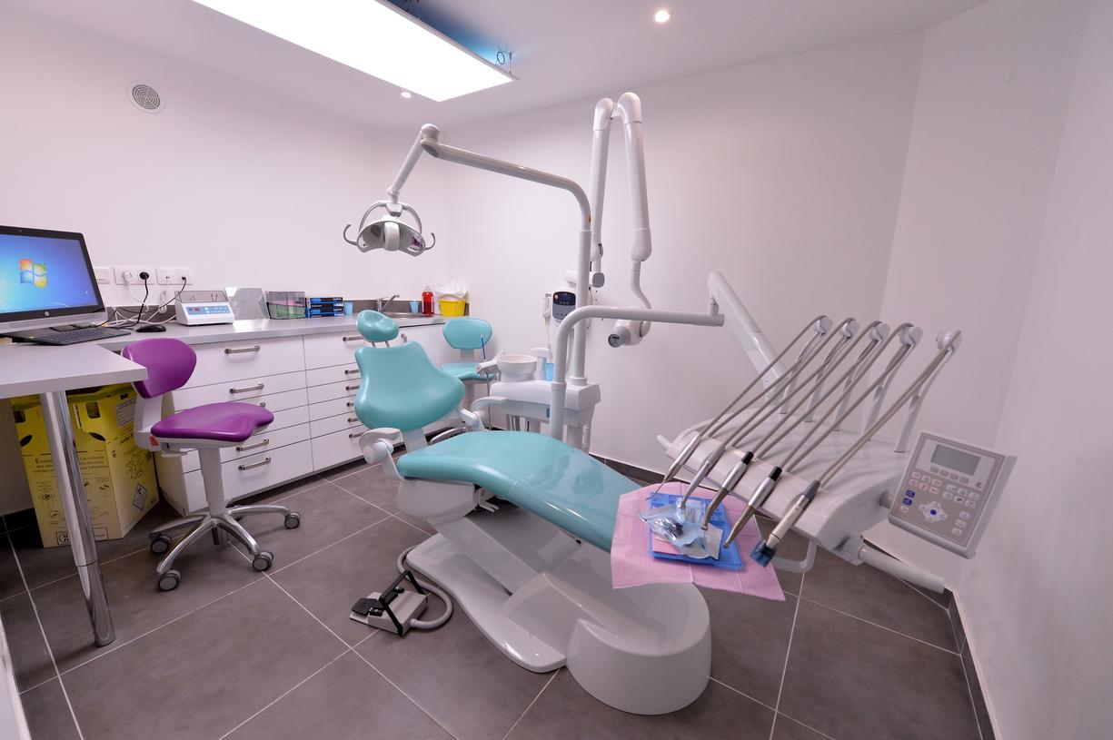 visiter le cabinet dentaire dentiste les lilas 93. Black Bedroom Furniture Sets. Home Design Ideas